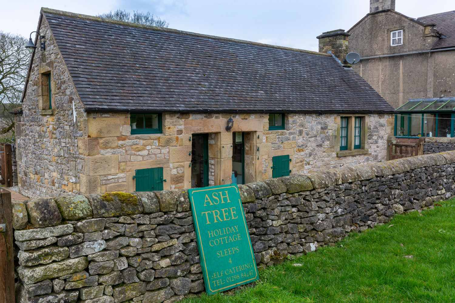 Sleeps 4 Peak District Holiday Cottage